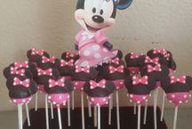 Mini mouse cakepops