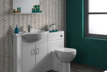 Bathroom / by Alexia Browning