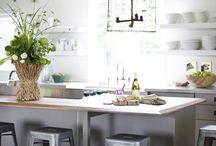 Kitchens / by Ellie Modern