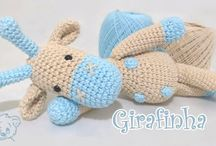 Bichos e bonecos em crochê e tricô