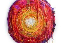 Art / Made in  Chile / ELLALABELLA HIZO UNA SELECCIÓN DE LO MEJOR DE LO HECHO EN CHILE PARA QUE DISFRUTEN NAVEGANDO Y SE SORPRENDAN DE TODO LO QUE ESTÁ PASANDO EN CHILE. ESTE ES UN ESPACIO CREADOS PARA ELLOS, PARA DARLES LA IMPORTANCIA QUE SE MERECEN Y LOGREN POSESIONARSE PARA ASÍ LOGRAR TENER SU PEQUEÑO ESPACIO EN LA SOCIEDAD. ELLOS FORMARAN ESTE ÁRBOL DEL ENCUENTRO QUE ESTÁ FLORECIENDO PARA DAR GRANDES FRUTOS. LA IDEA ES, CUAL ABEJAS, IR DE A POCO POLINIZANDO ESTE ÁRBOL PARA VER NACER CADA VEZ MÁS FLORES.