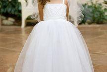 White Flower Girl Dresses / http://www.pinkprincess.com/flower-girl-dresses--white-flower-girl-dresses.html