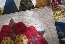 Mrs Billings Quilt Journey / This is my photographic record of the Mrs Billings Coverlet by Karen Styles of Somerset Patchwork. I also tried to devise my own quilt as you go, by securing the wadding and quilting as I kept increasing the borders. In this way I could manage the fabric layers on my machine. I  also felt that the quilt needed an extra thin border after the border of hexagon flowers. So I did the math and made adjustments and was very happy with the effect.
