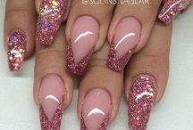Unghie glitter rosa