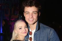 Dove Cameron and Thomas Doherty / Domas❤️❤️.      Chloe+Thomas=LOVE