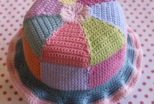 crocheteando / TODA CLASE DE TRABAJOS ARTESANALES,PINTURAS,TEJIDOS,MANUALIDADES. / by Sara Elena da Riva