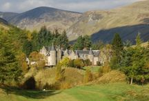 Where to Stay / There are plenty of hotels, bed and breakfasts, self catering, caravan and camping options in the area.