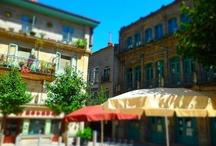 Un mar de Vida | Vigo | Urban Life / #Vigo está llena de sorpresas. Es uno de los destinos imprescindibles de #turismo urbano del norte de #España y la mayor ciudad de Galicia.  || Vigo is full of surprises. It's one of the essential urban tourism #destinations in northern #Spain and the largest city in Galicia. Enjoy a holiday in Vigo.