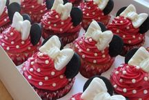 Cupcakes and cakes / by Susan Brown
