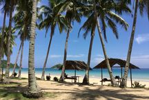 Philippines holiday / Two of the most Beautiful Vacation Islands to visit, in the Philippines are the islands of Boracay and Palawan. Let`s make a comparison between these two as there are some differences in accessibility, costs, and overall holiday experience, in these two tropical island getaways, in the Philippines.