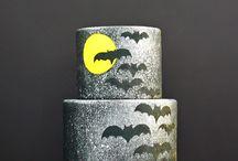Halloween Cakes, Cupcakes and Cookies / Halloween cakes, cupcakes and cookies we admire.