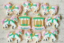 carousel/carnival/circus cookies / by Lynne Ver Straete