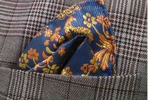 POCH013 / Look inspiration for Men with Blue and gold Paisley pocketsquare: http://www.mightygoodman.nl/nl/english-fashion-pochet-donkerblauw-met-goud-paisle.html