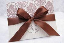 Invitatii de nunta handmade / Cele mai frumoase invitatii de nunta handmade, create cu multa pasiune si atentie in atelierul nostru.