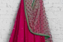 Thanu wedding dress