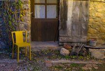 Schönes für Zuhause / Stühle, Sofa und Tische, die schön und bequem sind.
