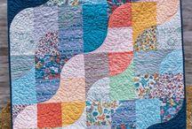 Quilts with curved blocks / Квилты с изогнутыми блоками
