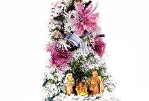 Albero di Natale - La collezione degli alberi di Natale con Natività / Interamente realizzati a mano in Italia, ogni albero è illuminato da una corona di 10 o 20 luci, a scelta tra bianche a tonalità calda oppure multicolore, innevati o completamente verdi. Alla base di ciascun albero di Natale sono state inserite le statue raffiguranti la Natività.  Visita la collezione completa al seguente link  http://www.ovunqueproteggimi.com/collezione-statue/articoli-natalizi/alberi-di-natale/
