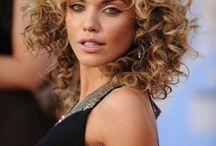 Curly hair / Hair