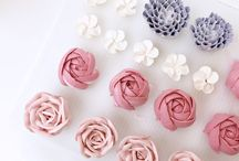 Piping cakes and cupcakes