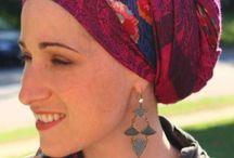 Foulard pour chimio / Des idées de coiffure avec foulard sur la tête spécial chimio. Trucs et astuces pour nouer un foulard autour de la tête pendant son cancer et chimiothérapie avec une perte de cheveux.