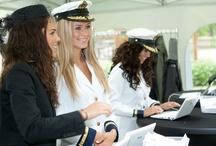 Hostess Hospitality-BestWorking / In de categorie 'Best Working' ondersteunen onze representatieve modellen u tijdens uw beurs, congres, vergadering, expositie, bedrijfsfeest of evenement. Hierbij kunt u bijvoorbeeld denken aan: een stijlvolle ontvangst, stand bemanning, registratie en VIP-begeleiding.