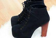 Shoes ❤ / Uso le scarpe tacco 12 per toccare la luna senza dover aspettare un uomo che me la abbassi.