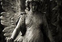 andělé, objekty, sochy a prostor