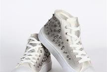 Bahar ayakkabıları / Sezonun modası platform tabanlı bez ayakkabılar ve zımba detaylı babetler bi' tık uzağında!
