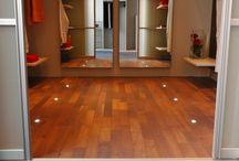 Slaapkamer houten vloeren / Slaapkamers met houten parket vloeren voor een warme uitstraling en sfeer. kijk voor meer inpsiratie. #parket #tidaparket #inspiratie #houtenvloer #vloerverwarming