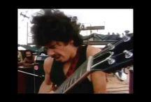 ROCK ERA EL DE ANTES / Soy un seguidor de todo el Rock que me hizo crecer como persona y como Músico. Humildemente recopilo fotos de toda la generación de los años 70's. Para mi, el mejor momento del Rock fue el de aquella época.