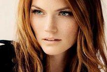 Çilli Kadınlar ve Saç Renkleri / Çilli Yüzler ve En Çok Yakışan Saç Renkleri