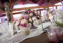 Flower Power / Voici quelques idées d'arrangements floraux pour votre mariage. Les coordonnées des prestataires se trouvent sous chaque photos.