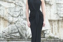 Classic Crepe Dresses / Discover all our signature timeless looks