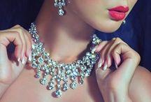 Bijouteries / WebServiceMarketing vous propose une sélection des plus belles créations en bijouterie et joaillerie pour ravir vos yeux.