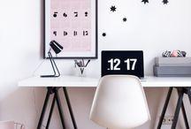 // desk inspiration // / Minimalistic, clean, scaninavion desk interior inspiration.