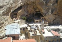 Maaloula / Maaloula is an ancient christian village in Syria, 40 miles north of Damascus, whose citizens speak Aramaic, namely the language spoken by Jesus. Since September 5th the village is besieged by islamist rebels