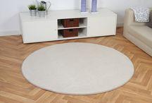 geschnitten und gekettelt / Diese Ware wird bei Havatex von der Rolle geschnitten und dannach gekttelt. So kann man seinen ganz individuellen Teppich erhalten. Der wird deutschlandweit versandkostenfrei geliefert.