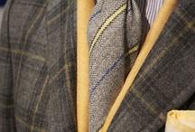 Kleidung und Outfit Kombinationen für den männlichen Herbsttyp