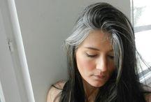 Tóc bạc sớm / Tóc bạc sớm phải làm thế nào? đó không chỉ là câu hỏi mà còn là nỗi lo lắng của chị em phụ nữ, mà ngay cả nam giới cũng cảm thấy căng thẳng và lo lắng khi mắc phải tình trạng này. Căn bệnh tóc bạc sớm tuy nghe có vẻ nhẹ nhàng và không lấy đi tính mạng của bệnh nhân, nhưng lại tố cáo tình trạng sức khỏe của bạn. Vậy tóc bạc sớm phải làm sao?triệu chứng như thế nào? nguyên nhân cũng như cách phòng và chữa trị làm sao?
