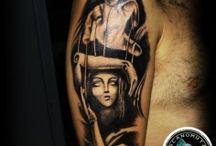 Tattoo Maniki / Tattoo maniki απο το Acanomuta Tattoo Studio. O Tattoo artist Μανος με ιδιαίτερη προσοχή το σχέδιο σας και θα δημιουργήσει ένα απίστευτο έργο τέχνης – tattoo πάνω σας το οποίο σίγουρα θα σας εντυπωσιάσει.