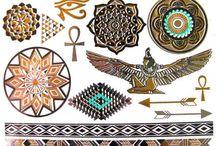 Tatouage temporaire et éphémère Or et Argent / Découvrez toute notre collection de tatouages métaliques Or et Argent sur https://tempo-tattoo.fr/13-or-et-argent
