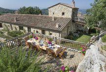 L'Ombrie / Venez découvrir notre sélection de demeures situées dans le coeur vert de l'Ombrie : www.onoliving.com