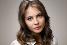 ID • Willa Holland