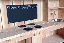Eigen project Bax & Koning - kinder buitenkeukens / Opdracht voor kinderopvang organisatie: 7 duurzame buitenkeukens