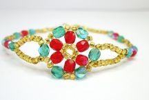Christmas Jewellery Inspiration / making beaded jewellery with a Christmas theme