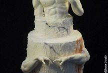 """Michelangelo work / """"Cominciate col fare ciò che è necessario, poi ciò che è possibile. E all'improvviso vi sorprenderete a fare l'impossibile.""""cit. San Francesco.  Scoprirete a breve il perché di tanto cuore e anima in questa opera, ma aldilà di questo spero di aver dato un briciolo di merito e onore al grande Michelangelo! Stay tuned...#david #sugarart #margheritaferrara #airbrush #royalicing #sugarpaste"""