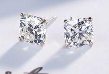 Diamond stud earing
