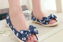 Woman Footwear
