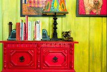 Sisustusinspiraatio / Värikäs ja boheemi koti, joka saa inspiraationsa intiasta, rokokoosta, kierrätyksestä ja retrosta.